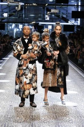 dolcegabbana_womens-fashion-show-fw17-18_runway-images-1
