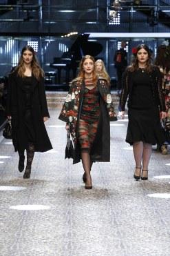 dolcegabbana_womens-fashion-show-fw17-18_runway-images-26