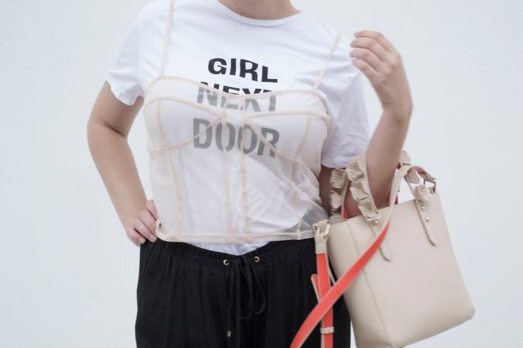 girl next door_10