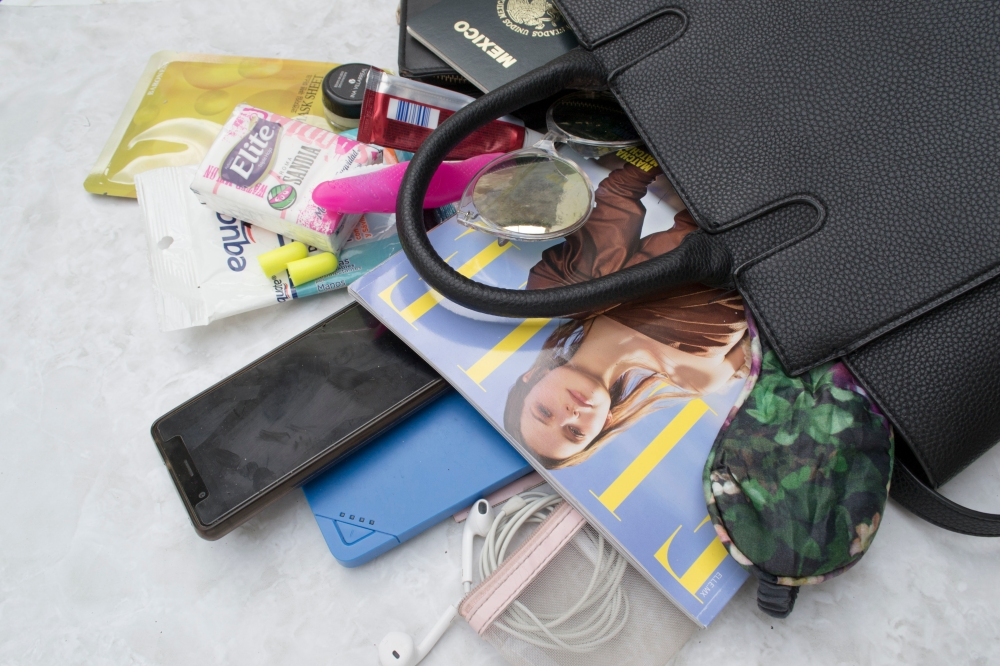 whats in my airport bag_3
