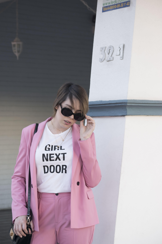 PINK SUIT_5
