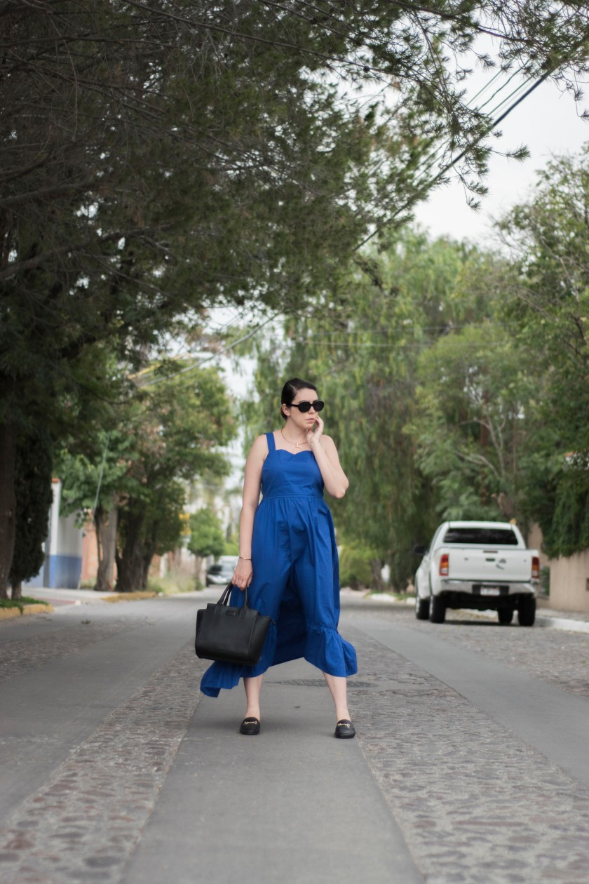 THE BLUE DRESS_1