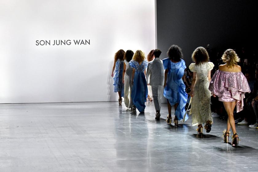 Runway Son Jung Wan